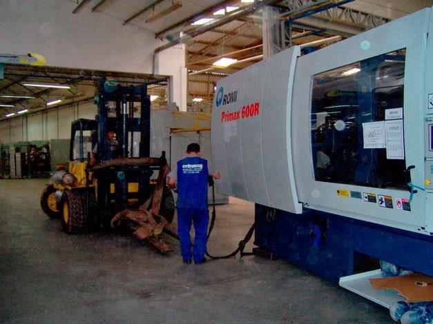 Remoção de máquinas industriais
